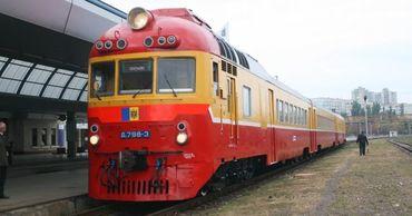 Количество пассажиров, путешествующих на поезде, сократилось почти на 30%.