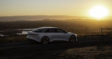 Конкурент Tesla решил выйти на биржу за счет сделки на $24 млрд.