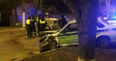 В Приднестровье пьяный водитель протаранил машину дорожных инспекторов.