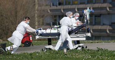 Во Франции число заболевших COVID-19 выросло на 2,7 тысячи человек.