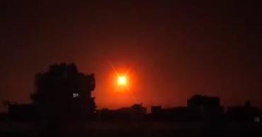 АгентствоSANAопубликовало видео отражениясирийскойПВО ракетного удара поДамаску.