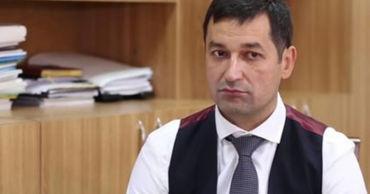 В Антикоррупционной прокуратуре допросили лишенного иммунитета судью Олега Стерниоалэ.