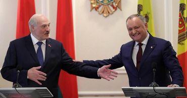 Додон поздравил Лукашенко с победой на выборах.