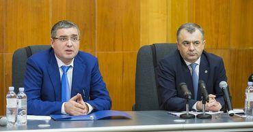 Кику пригрозил судом Усатому, обещавшему купить защитные экраны по цене 1 евро.
