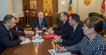 Додон обсудил проблемы приднестровских экономических агентов.