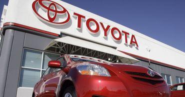 Toyota опустилась на второе место в рейтинге самых дорогих автокомпаний.