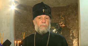 Митрополит Владимир просит власти открыть кладбища в Родительский день