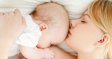 Вирусологи впервые нашли коронавирус в грудном молоке.