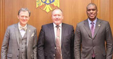 В МИДЕИ обсудили сотрудничество РМ и США в сфере безопасности и обороны.