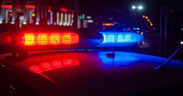 В столичном баре молодой женщине угрожали оружием.