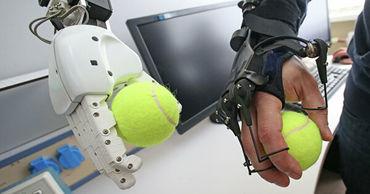 Новый российский робот поможет космонавтам во время работы за бортом МКС. Фото: ria.ru.