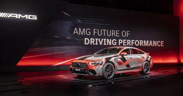 Mercedes-AMG разрабатывает гибридную 804-сильную установку.