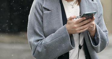 Эксперт перечислил опасные ситуации для использования смартфона.