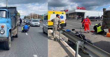 ДТП в Оргееве: Мотоциклист въехал в припаркованный грузовик.