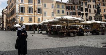 """В Италии работавшие """"по-черному"""" остались без средств к существованию."""