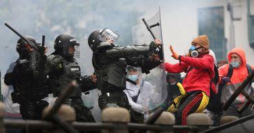 Национальная забастовка в Колумбии обернулась массовыми беспорядками и погромами.