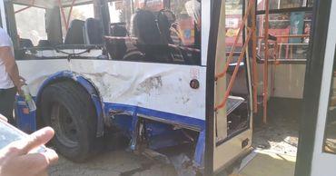 Троллейбус, пострадавший в ДТП на Буюканах, отремонтируют за счет страховки.