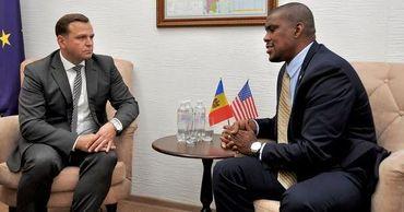 Нэстасе обсудил с послом США подготовку к выборам.