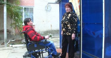 В Дубоссарах кресла-коляски получили 22 человека с ограниченными возможностями здоровья.