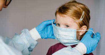 Думбрэвяну отмечает, что наблюдается увеличение числа детей, инфицированных новым типом коронавируса.