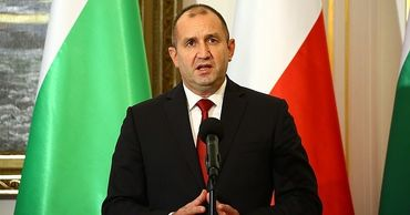 Президент Болгарии призвал правительство уйти в отставку.