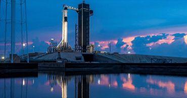 SpaceX впервые отправляет астронавтов NASA на МКС.
