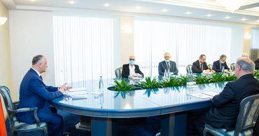 Додон встретился вчера с группой ученых-медиков с управленческим опытом.