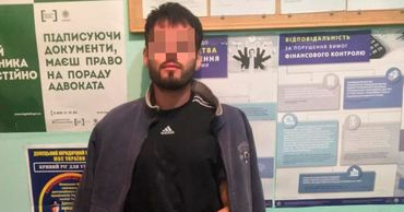 На Украине задержали молдаванина, который бросил гранату в толпу.