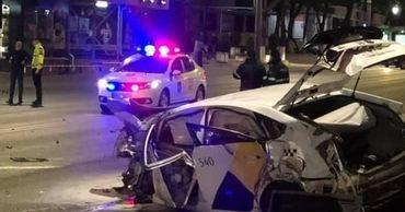 В страшном ДТП погибли водитель такси и его пассажир.