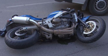 В столице произошла еще одна авария с участием мотоциклиста.