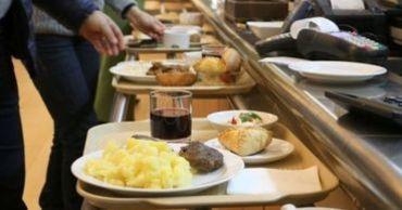 Служба питания возобновит предоставление горячих обедов.
