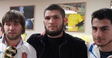 Сборная РМ по мини-футболу среди незрячих побывала у Хабиба Нурмагомедова.