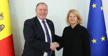Глава МИДЕИ встретился с послом Италии.