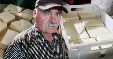 Фермер из Кагула: Я не могу продать 3,5 тонны брынзы. Коллаж: stiri.md.