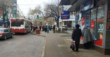 Полиция опровергла наезд троллейбуса на двух женщин в Бельцах.