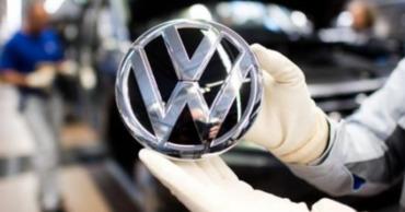 Суд обязал Volkswagen выплатить компенсации клиентам по искам о занижении вредных выбросов