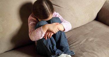 В Приднестровье мужчина побил трёх маленьких дочерей деревянной палкой.