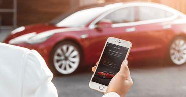 Tesla ввела в США бесконтактные способы доставки электромобилей.