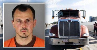 Водителем грузовика, таранившим толпу в Миннеаполисе, был украинец. Фото: Point.md.