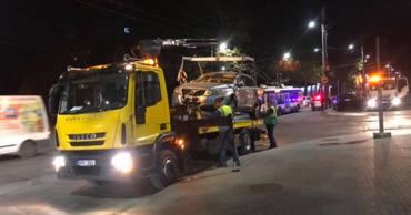 Большое количество автомобилей было эвакуировано с улиц столицы.