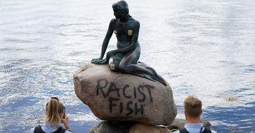 Вандалы осквернили статую Русалочки в Копенгагене.