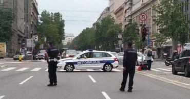 В центре Белграда взорвался внедорожник.