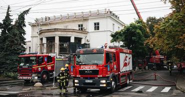 Шаров заявил, что нет никаких сомнений в том, что здание будет отремонтировано после пожара.