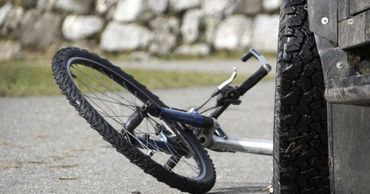 В Бендерах водитель иномарки сбил велосипедиста и скрылся с места ДТП.