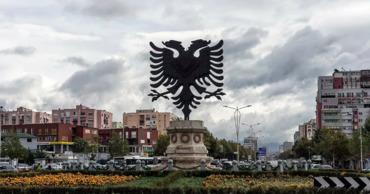 Албания начинает допускать граждан на улицу по смс