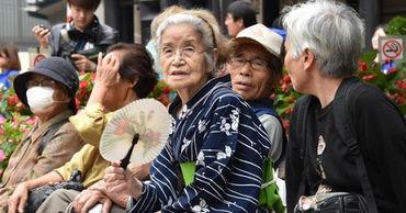 В Японии живет более 80 тысяч человек в возрасте старше 100 лет.