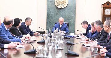 Первое заседание правительства Кику прошло в закрытом режиме.