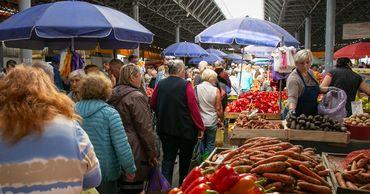 Жители Молдовы жалуются на повышение цен на продукты.