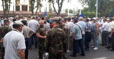 В ходе протестов ветеранов задержаны семь человек.
