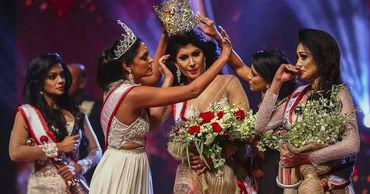 Конкурс «Миссис Шри-Ланка» закончился срывом короны с победительницы.